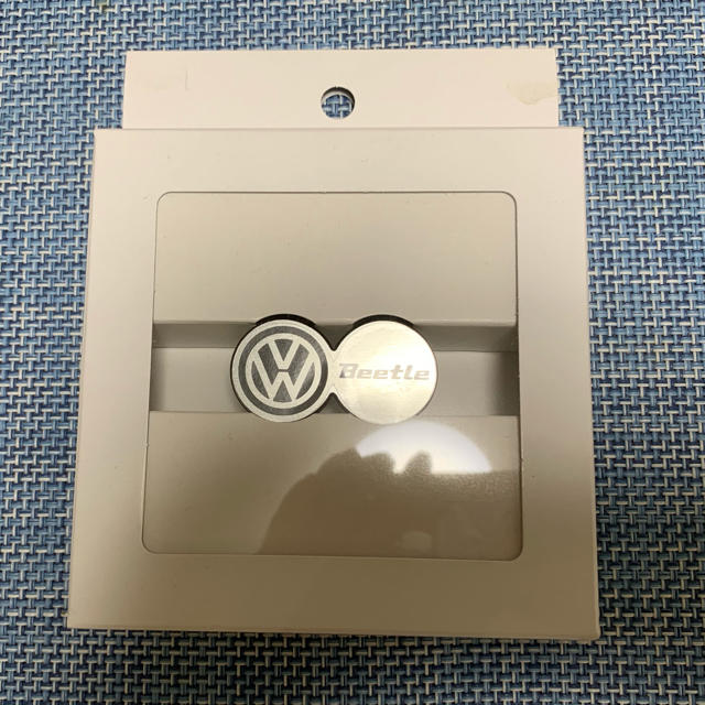 Volkswagen(フォルクスワーゲン)の【値下】Volkswagen Beetleエンブレム 自動車/バイクの自動車(車外アクセサリ)の商品写真