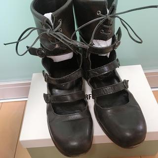 ジェーンマープル(JaneMarple)のJane Marple カフス ストラップ シューズ(ローファー/革靴)