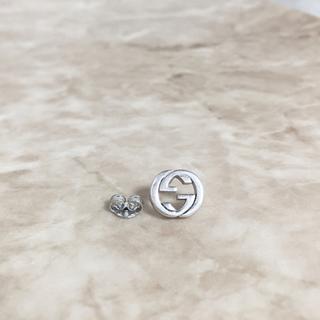グッチ(Gucci)の正規品 グッチ ピアス 片方 ミニ GG シルバー 丸 SV925 銀 ロゴ (ピアス(片耳用))