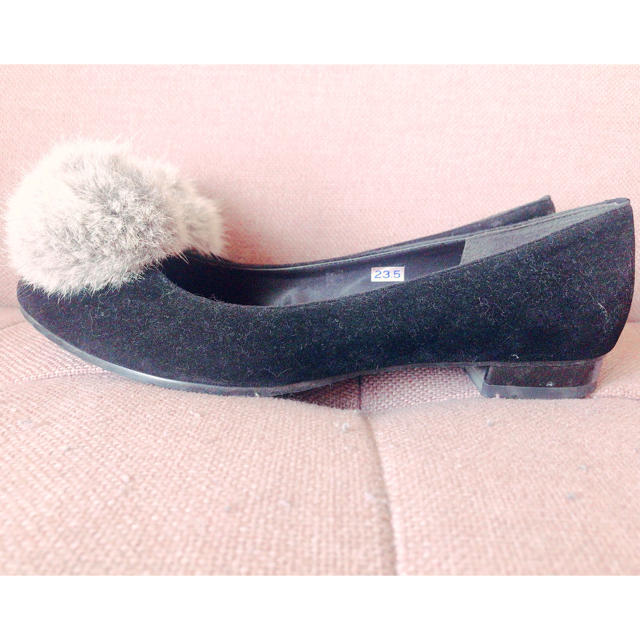 CHAPTER SELECT(チャプターセレクト)のぽんぽんつきローヒールパンプス♡chum chum レディースの靴/シューズ(ハイヒール/パンプス)の商品写真
