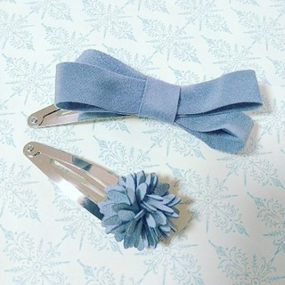Bonpoint - blue gray × suede flower ✨パッチンピン セット