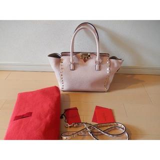 6c1ef5beff2c ヴァレンティノ(VALENTINO)のヴァレンティノ ロックスタッズバッグ スモール ピンク 美品(トートバッグ