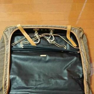 サンローラン(Saint Laurent)の《アン様専用》イヴ・サンローラン ガーメントケース(トラベルバッグ/スーツケース)