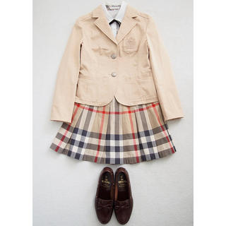 938346b50e4cd バーバリー(BURBERRY)の150 Burberry女の子スーツ美品☺ バーバリー 小学校卒業
