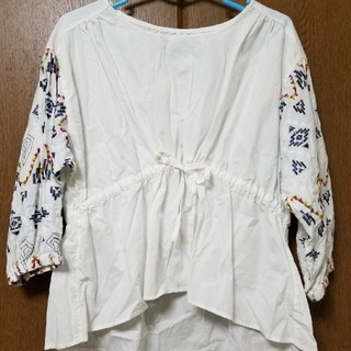 キューブシュガー(CUBE SUGAR)のキューブシュガー袖刺繍ブラウス(シャツ/ブラウス(長袖/七分))