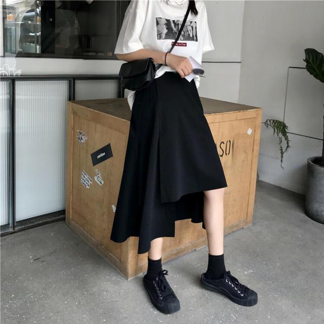 dholic(ディーホリック)の17kg アシンメトリーブラックロングスカート レディースのスカート(ひざ丈スカート)の商品写真