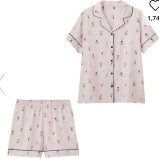 ジーユー(GU)のジーユー サテン パジャマPEANUTS 半袖&ショートパンツ M 新品 (パジャマ)