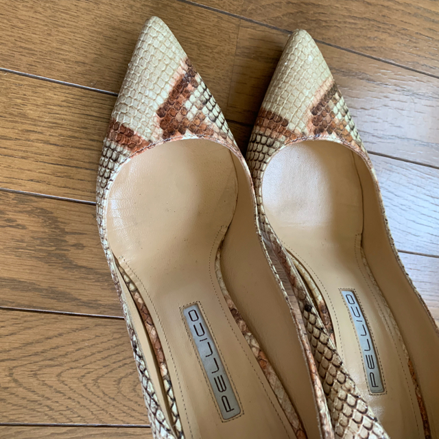PELLICO(ペリーコ)の専用ペリーコパンプス レディースの靴/シューズ(ハイヒール/パンプス)の商品写真