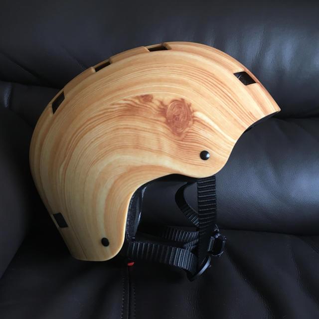 ヘルメット  ウッド スポーツ/アウトドアのスノーボード(ウエア/装備)の商品写真