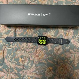アップルウォッチ(Apple Watch)の極美品!Apple Watch 4 NIKE 44mm cellular (スマートフォン本体)