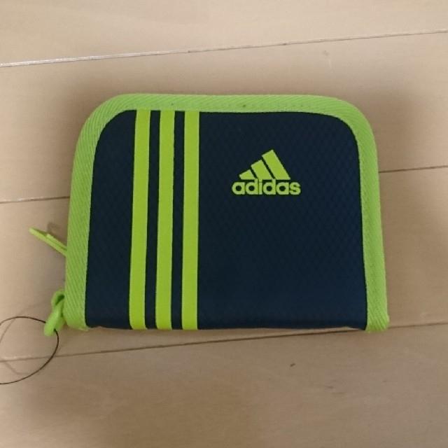 adidas(アディダス)の新品adidas二つ折り財布 キッズ/ベビー/マタニティのこども用ファッション小物(財布)の商品写真