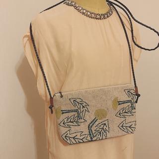 ミナペルホネン(mina perhonen)のお値下げ♡タンポポで作成しましたポシェットです(バッグ)