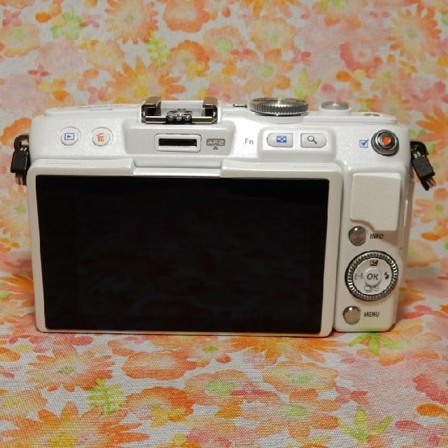 OLYMPUS(オリンパス)のOLYMPUS PEN Lite E-PL6 レンズキット ホワイト スマホ/家電/カメラのカメラ(ミラーレス一眼)の商品写真
