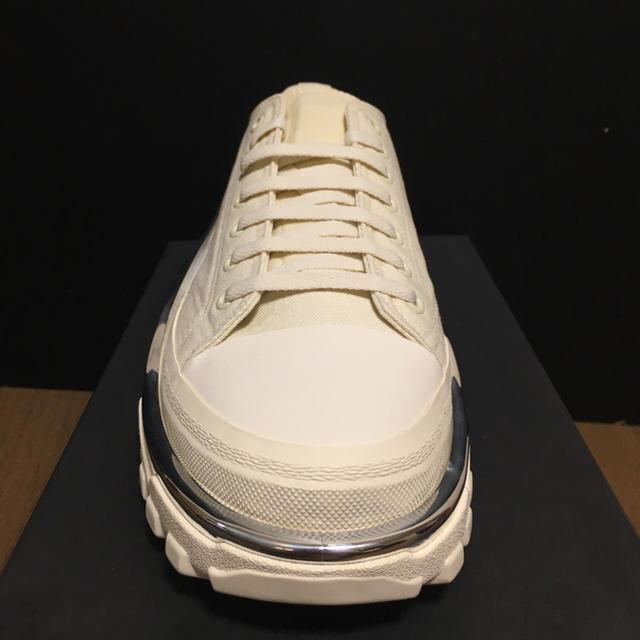 RAF SIMONS(ラフシモンズ)のラフシモンズ デトロイトランナー ホワイト メンズの靴/シューズ(スニーカー)の商品写真