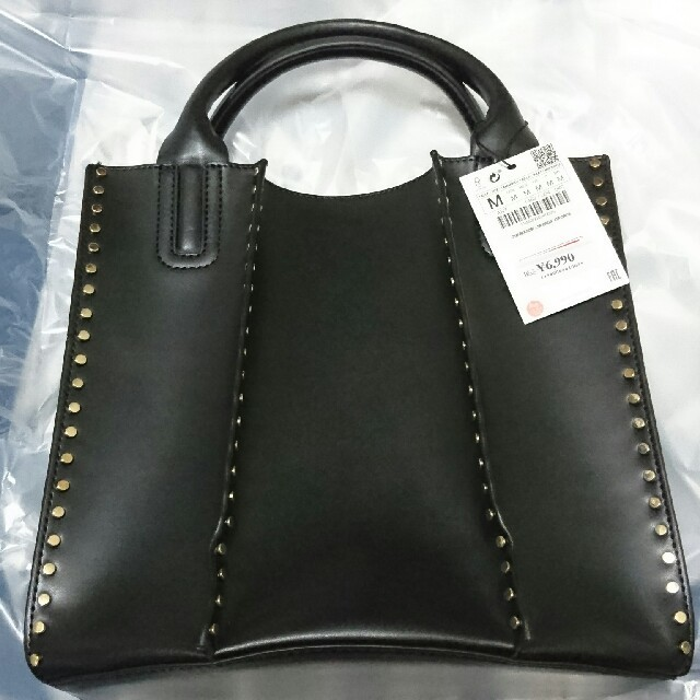 ZARA(ザラ)のZARA スタッズ付きトートバッグ レディースのバッグ(トートバッグ)の商品写真