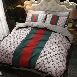 Gucci - Gucci寝具カバー 2枚枕カバー 4点セット 掛け布団カバー