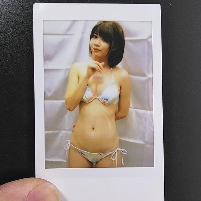 伊東ちなみ① チェキ エンタメ/ホビーのタレントグッズ(アイドルグッズ)の商品写真