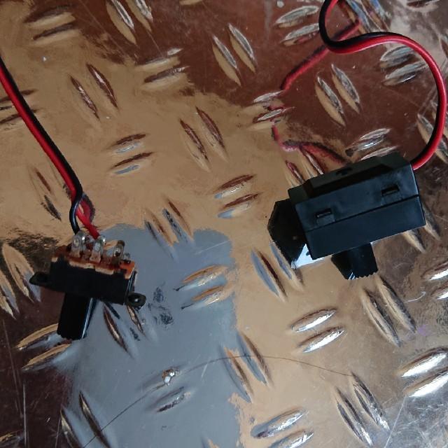 ラジコンドリフトアンプ+サーボ エンタメ/ホビーのおもちゃ/ぬいぐるみ(ホビーラジコン)の商品写真