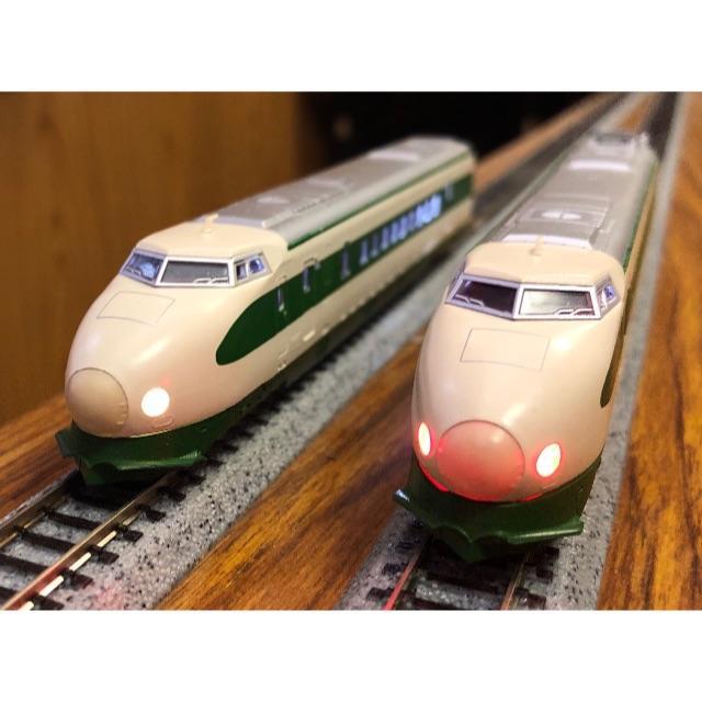 KATO`(カトー)のKATO 200系新幹線 一部旧製品 12両フル編成 全車室内灯付 エンタメ/ホビーのおもちゃ/ぬいぐるみ(鉄道模型)の商品写真