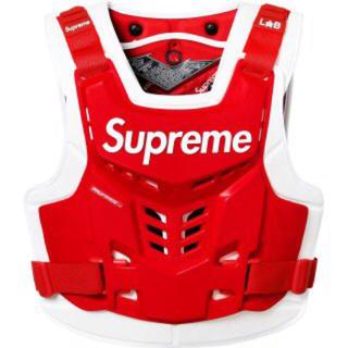 シュプリーム(Supreme)のsupreme fox vest 赤色 L/XLサイズ 新品未使用(装備/装具)