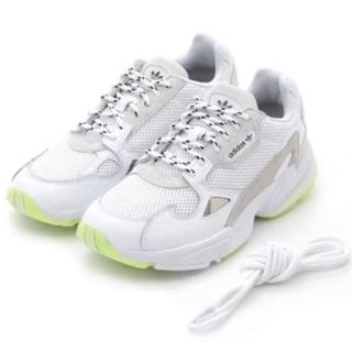 アディダス(adidas)のemmiアディダスファルコン23.0(スニーカー)