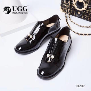 アグ(UGG)の2019年新発売美品オーストラリア DK UGG dk639 (ローファー/革靴)