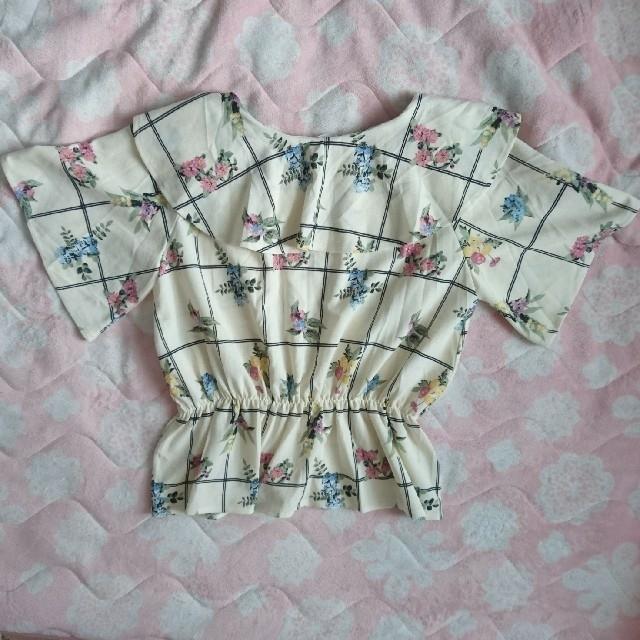 しまむら(シマムラ)の花柄カットソーL レディースのトップス(カットソー(半袖/袖なし))の商品写真