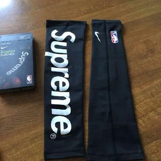 シュプリーム(Supreme)の新品未使用!Supreme Nike NBA Shooter Sleeves(バスケットボール)