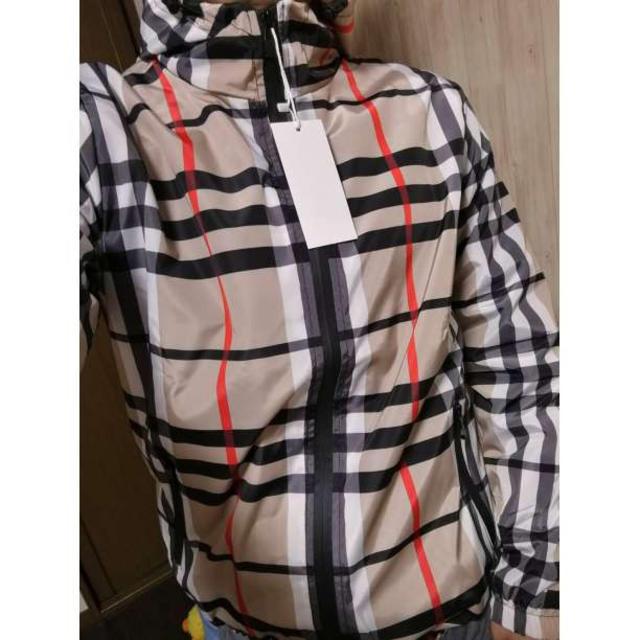★送料無料★マウンテンパーカー スリム 男女兼用 チェックナイロンパーカー L メンズのジャケット/アウター(マウンテンパーカー)の商品写真