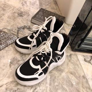 ルイヴィトン(LOUIS VUITTON)のLOUIS VUITTON  靴/シューズ スニーカー パンプス 黒 サイズ40(スニーカー)