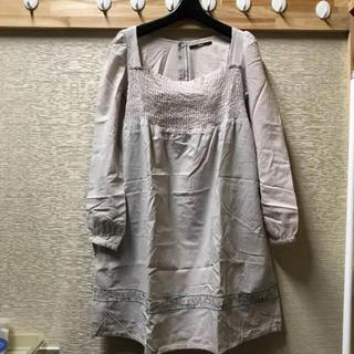 カスタネ(Kastane)のKastane 胸元スクエア 刺繍ワンピース(ひざ丈ワンピース)