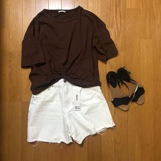 ジーユー(GU)のGU Tシャツ 備品 ブラウン(Tシャツ(半袖/袖なし))