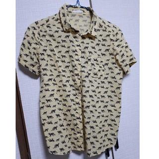 ジーユー(GU)のGU 黒ヒョウ柄シャツ(Tシャツ(半袖/袖なし))