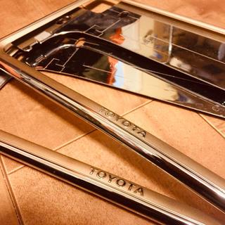トヨタ(トヨタ)の美品 トヨタ純正 メッキ×ゴールド ナンバーフレーム プレステージ(車外アクセサリ)