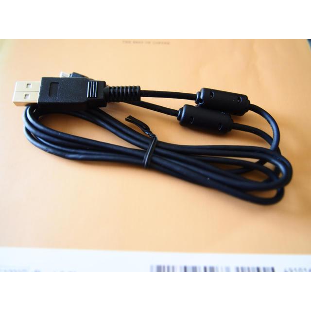 OLYMPUS(オリンパス)のUSBケーブル CB-USB6 オリンパス スマホ/家電/カメラのカメラ(コンパクトデジタルカメラ)の商品写真
