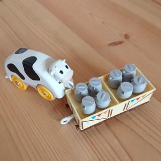 トミー(TOMMY)のプラレール  トーマス シリーズ  貨車  牛  ミルク(電車のおもちゃ/車)
