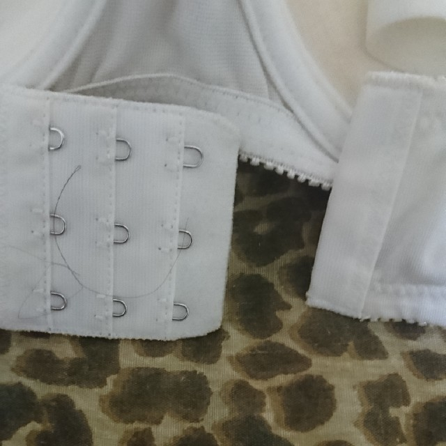 Rakuten(ラクテン)の送料無料!ガーリーホワイトリボンつきブラジャー! レディースの下着/アンダーウェア(ブラ)の商品写真