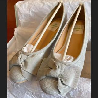 アシナガオジサン(あしながおじさん)の新品✨ 23cm enchanted 撥水 リボン ローヒール パンプス 靴 M(ハイヒール/パンプス)