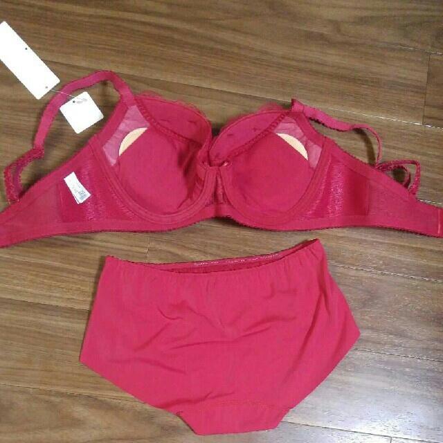 Wacoal(ワコール)のワコール レシアージュ ブラ E70 ショーツ M 赤 レディースの下着/アンダーウェア(ブラ&ショーツセット)の商品写真