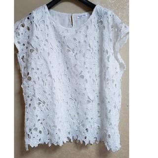シマムラ(しまむら)の「しまむら」花柄シャツ(Tシャツ(半袖/袖なし))