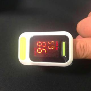 【未使用】LEDパルスオキシメーター サチュレーション 色:ホワイト&グリーン