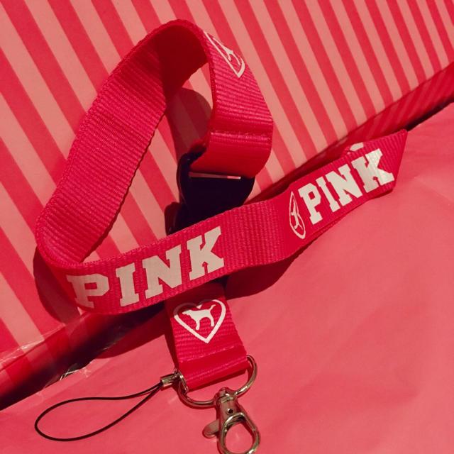 Victoria's Secret(ヴィクトリアズシークレット)のPINK♡ランヤードストラップ スマホ/家電/カメラのスマホアクセサリー(ネックストラップ)の商品写真