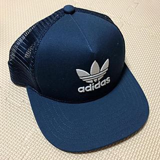 アディダス(adidas)のadidas originals メッシュキャップ  ネイビー(帽子)