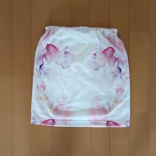 ダチュラ(DaTuRa)のDaTuRa 花柄 タイトスカート(ミニスカート)