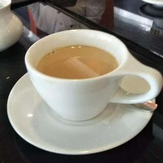 間もなく紅茶の新茶が入荷されます。(茶)