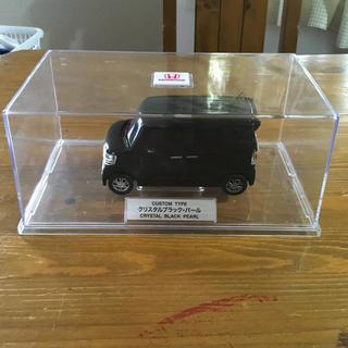 ホンダ(ホンダ)のHONDA カラーサンプル n box カスタム クリスタルブラック・パール(車外アクセサリ)