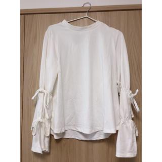 ジーユー(GU)のGU トップス 袖フリル(シャツ/ブラウス(半袖/袖なし))