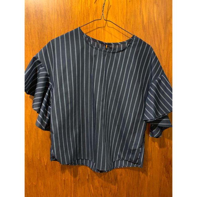 GU(ジーユー)の週末値下げ❗️トロミ ブラウス ストライプ GU レディースのトップス(シャツ/ブラウス(半袖/袖なし))の商品写真