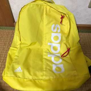 アディダス(adidas)のアディダス デイパック 美品(リュック/バックパック)