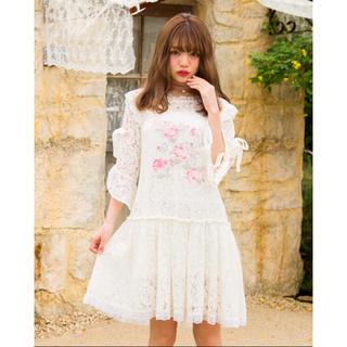 リズリサ(LIZ LISA)の【新品】リズリサ 花刺繍レースワンピース ピンク(ミニワンピース)